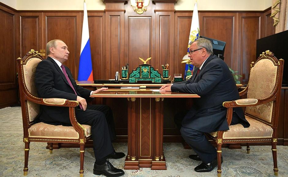 Снижения ипотечных ставок ожидает Владимир Путин до конца 2019 года